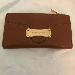 Michael Kors wallet- NEVER USED WITH TAGS!